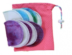 Honour Your Flow Make-up Remover Wipes With Mini Wash Bag - Hot Pink